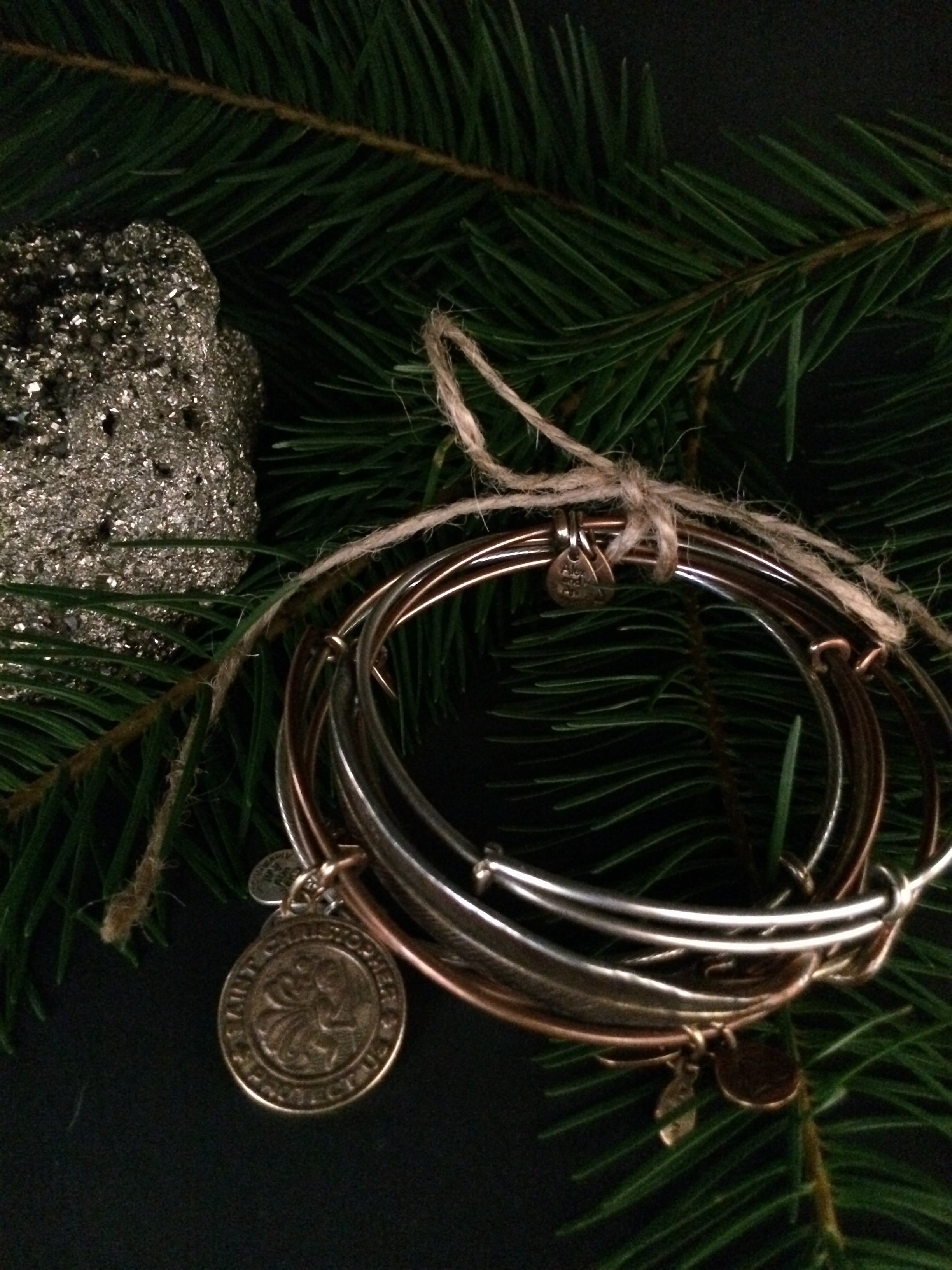 last minute gift ideas, pyrite, eco-frindly bracelets, Alex & Ani