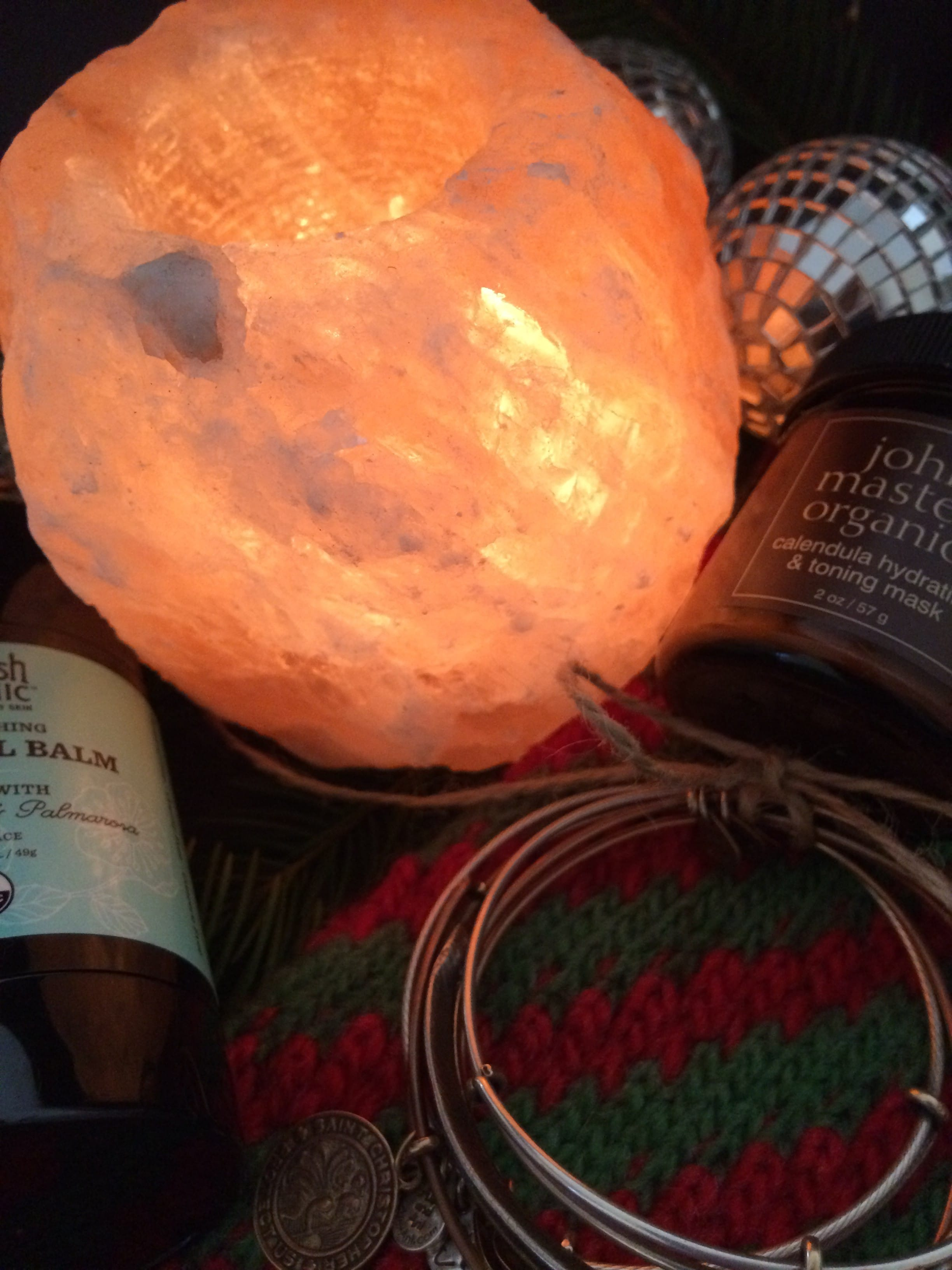 last minute gift ideas, himalayan salt candle holder, argan oil, calendula face mask, healing, eco-friendly bracelets