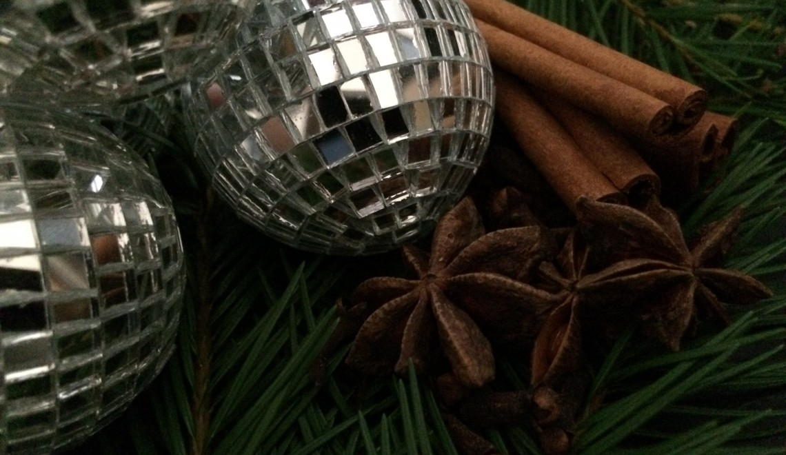 last minute gift ideas, small things, natural, cinnamon, cloves, ornaments